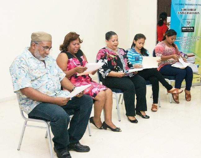 Reconocimiento a la labor de la maestra Doña Hersilia Ramos de Argote